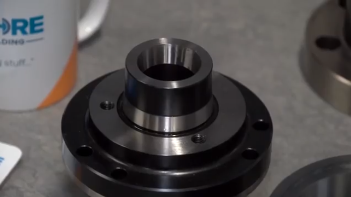 Collets/An image of a collet chuck